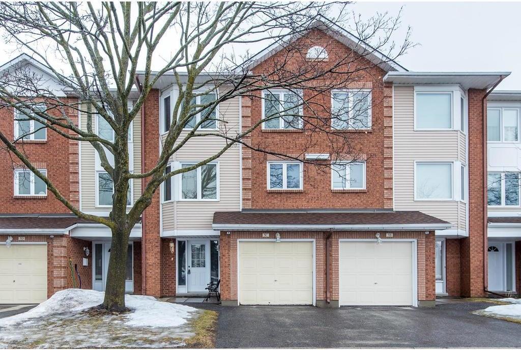 5 Castlebrook Lane Unit#c, Ottawa, Ontario K2G5G1