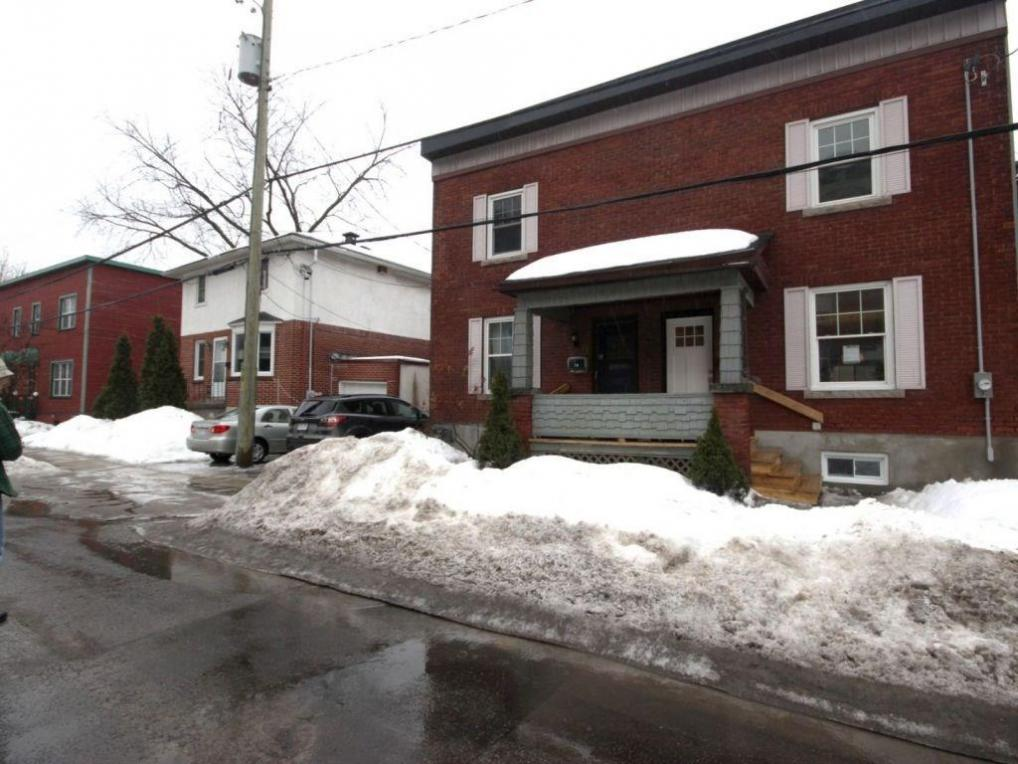 76 Putman Avenue, Ottawa, Ontario K1M1Z4
