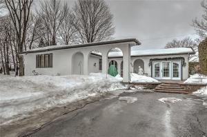886 Sidney Street, Hawkesbury, Ontario K6A3K6