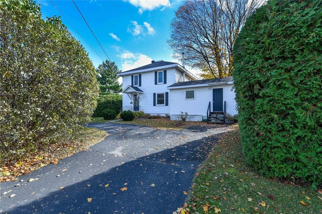 33 Broadview Avenue W, Smiths Falls, Ontario K7A4L1