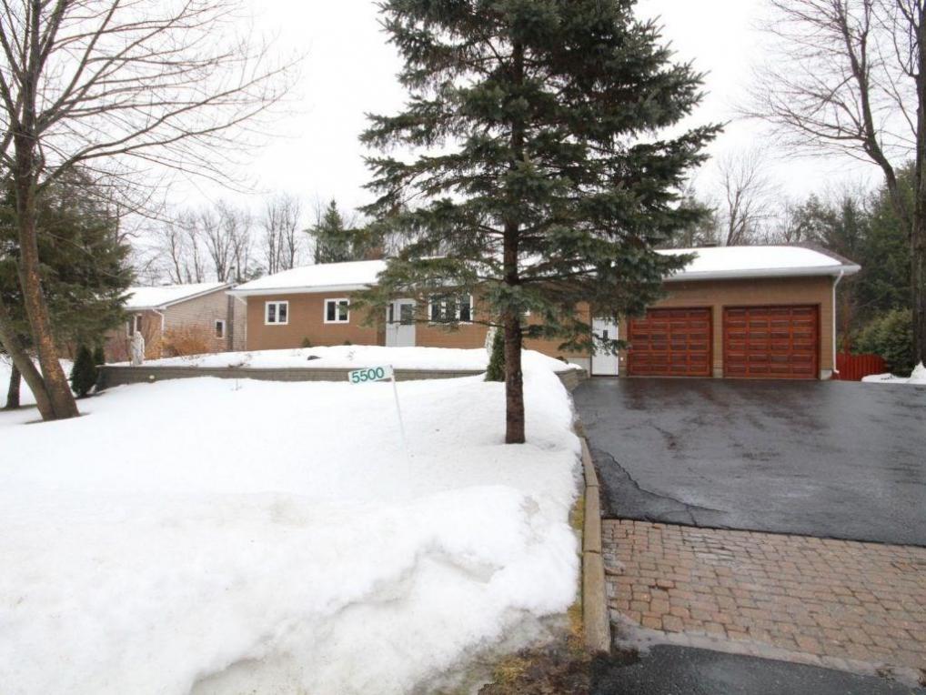 5500 Woodeden Drive, Manotick, Ontario K4M1B4