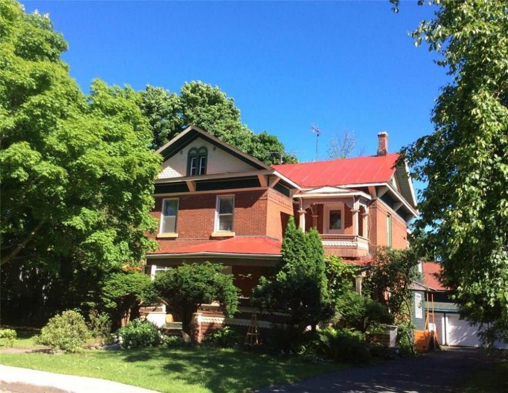 18 Queen East Street, Chesterville, Ontario K0C1H0