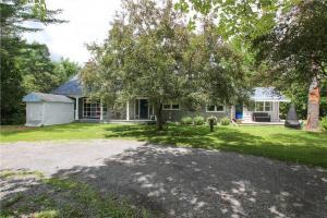1095 Quigley Hill Road, Cumberland, Ontario K4C1H2