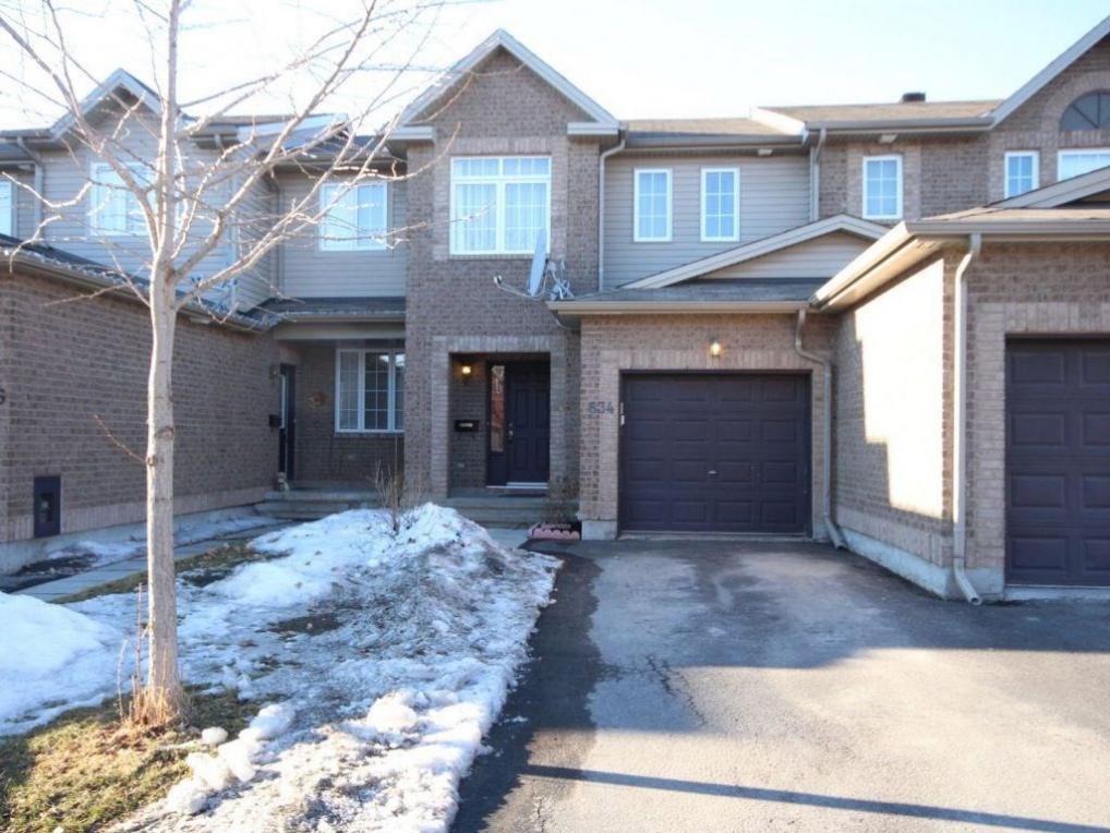 634 Aberfoyle Circle, Ottawa, Ontario K2K3R3