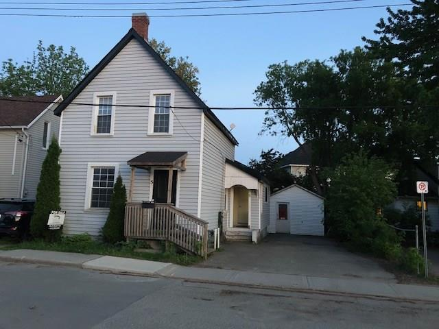 5 Helen Street, Smiths Falls, Ontario K7A2M4