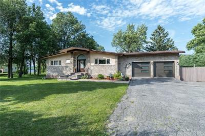 Photo of 97 Front Road, Hawkesbury, Ontario K6A2S8