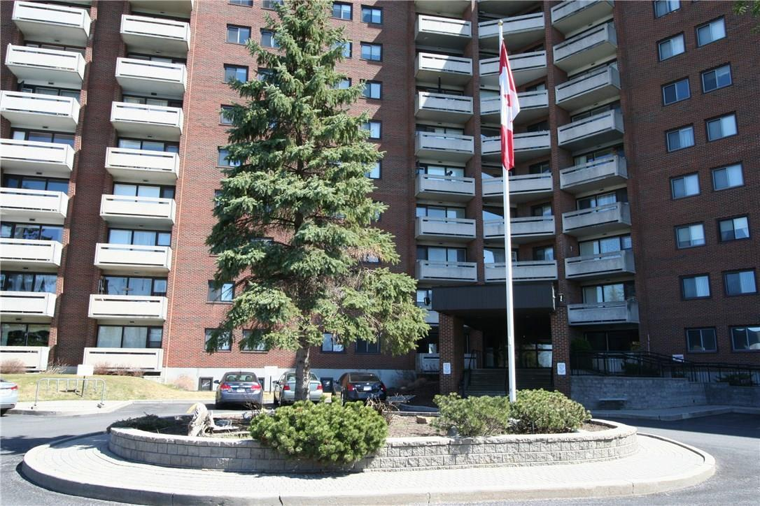 3100 Carling Avenue Unit#521, Ottawa, Ontario K2B6J6