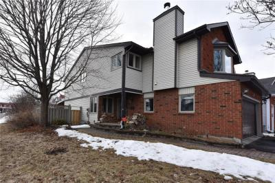Photo of 13 Saddle Crescent, Ottawa, Ontario K1G5L4