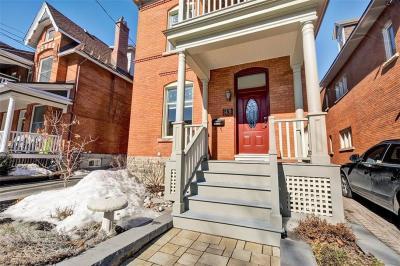 Photo of 43 Patterson Avenue, Ottawa, Ontario K1S1X9