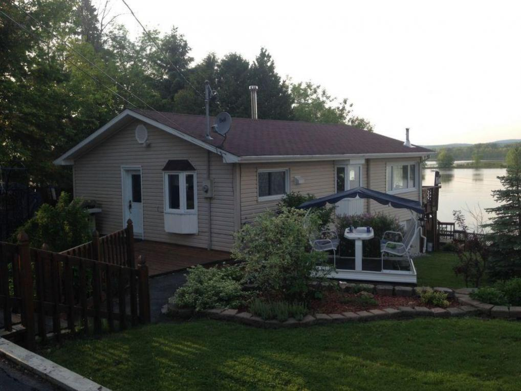 3513 Brazeau Street, Wendover, Ontario K0A3K0