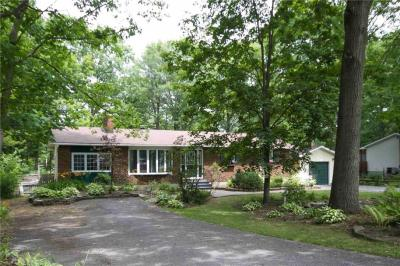 Photo of 126 Acorn Crescent, Constance Bay, Ontario K0A3M0