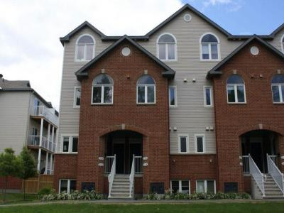 Photo of 320 London Terrace, Ottawa, Ontario K1K2W2