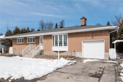 Photo of 1381 Heron Road, Ottawa, Ontario K1V6A6