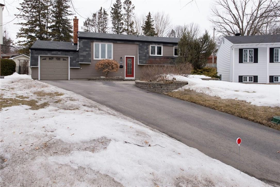 994 Gold Crescent, Ottawa, Ontario K2B8C5