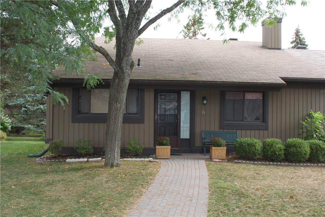 8 Pine Tree Court, Stittsville, Ontario K2S1B9