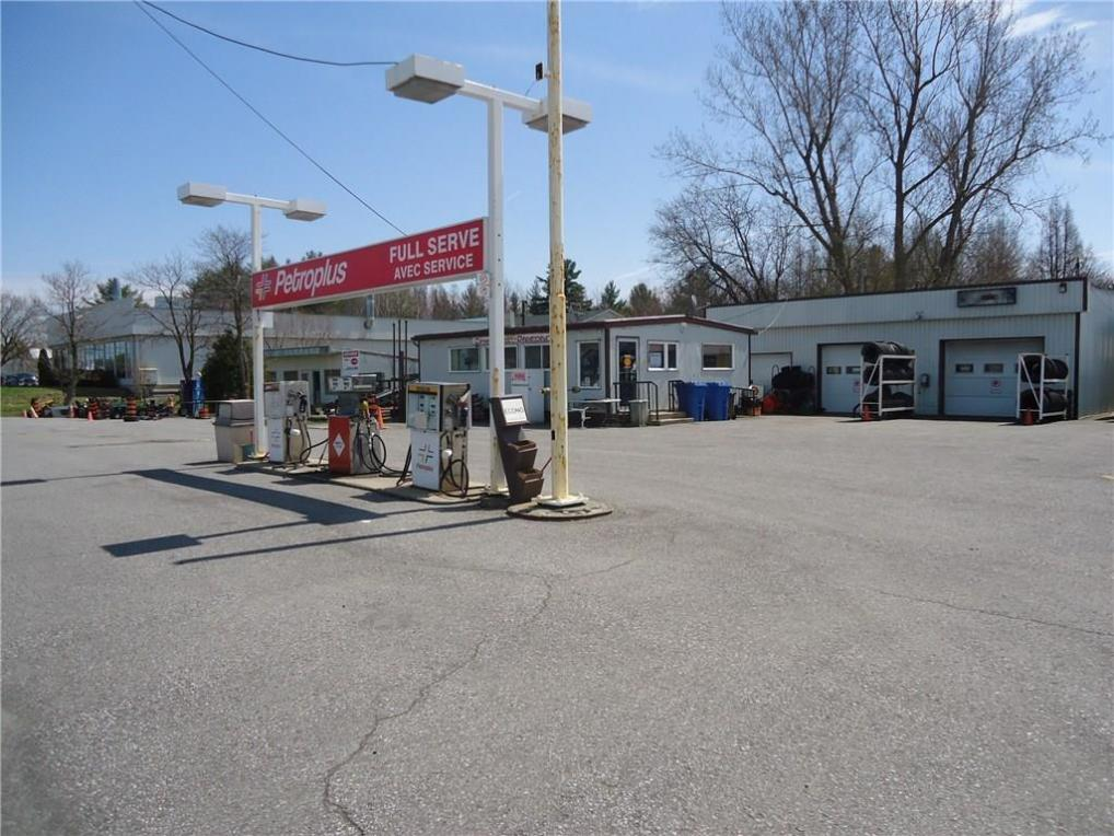 4993-4995 County Rd17 Road, Alfred, Ontario K0B1A0