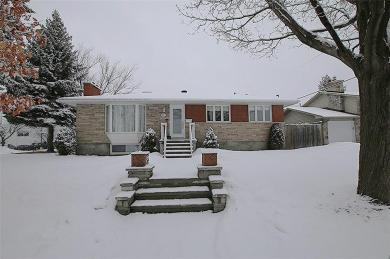 521 Straby Avenue, Ottawa, Ontario K1K1G9