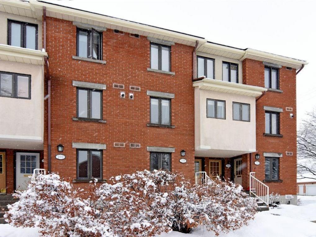 198 Alvin Road, Ottawa, Ontario K1K2V1
