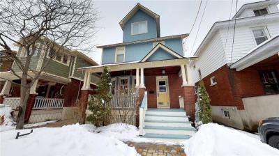 Photo of 132 Ossington Avenue, Ottawa, Ontario K1S3B8