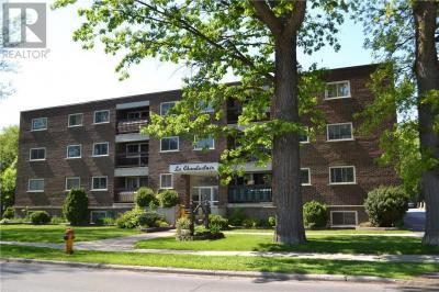 Photo of 419 Fourth Street E, Cornwall, Ontario K6H2J5