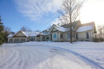 Photo of 1634 Landel Drive, Kanata, Ontario K2W1C1
