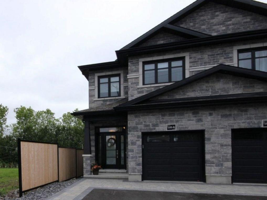 100 Laurier Street Unit#d, Casselman, Ontario K0A1M0