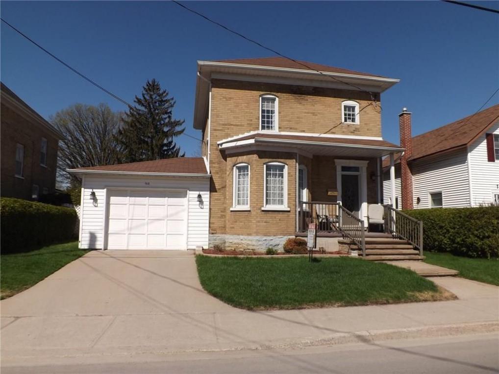 162 Brockville Street, Smiths Falls, Ontario K7A3Y9