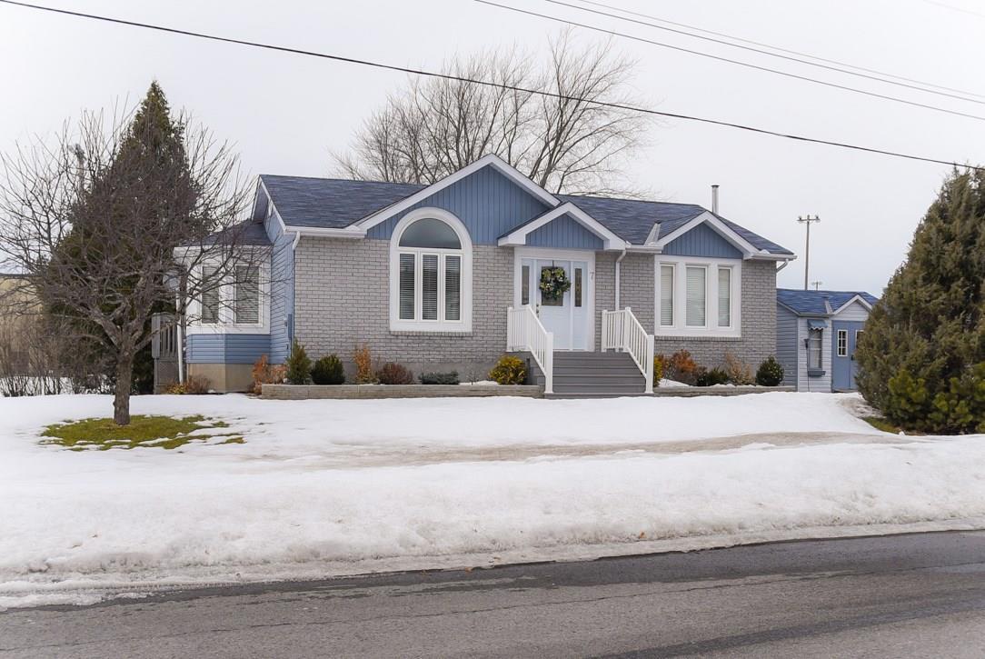 7 Bergevin Street, St Isidore, Ontario K0C2B0
