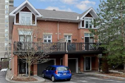 Photo of 7 Oak Park Private, Ottawa, Ontario K1Z1B6