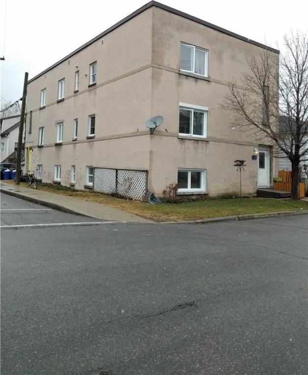 329 Richelieu Avenue, Ottawa, Ontario K1L6J7