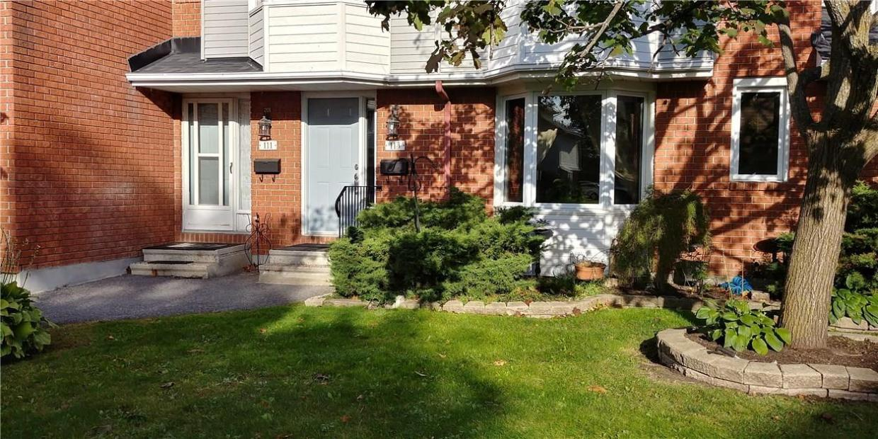 113 Haxby Private, Ottawa, Ontario K1T3C3