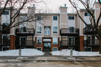 Photo of 240 Fenerty Court Unit#1, Kanata, Ontario K2L3A7