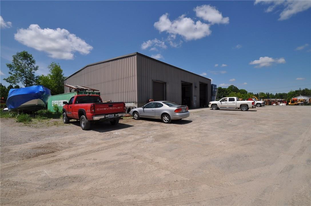 22 Tophmar Drive, Kemptville, Ontario K0G1J0