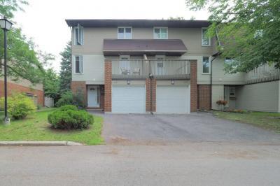 Photo of 3205 Uplands Drive Unit#43, Ottawa, Ontario K1V9T3