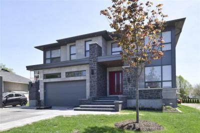 Photo of 44 Oakridge Boulevard, Ottawa, Ontario K2G2T5