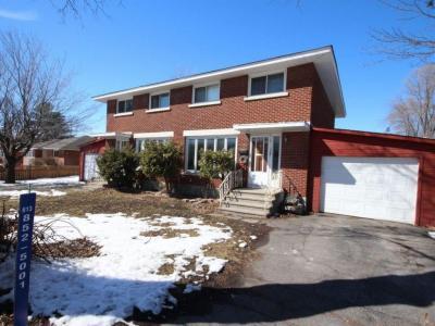 Photo of 1319-1321 Adirondack Drive, Ottawa, Ontario K2C2V7