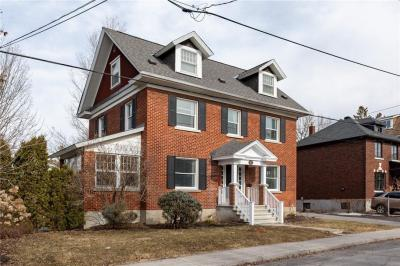 Photo of 27 Fulton Avenue, Ottawa, Ontario K1S4Y5
