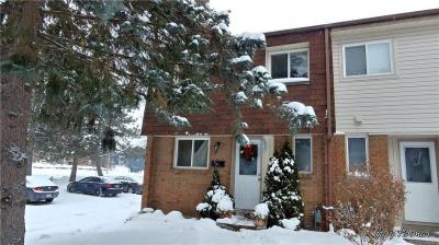 Photo of 1a Sonnet Crescent, Ottawa, Ontario K2H8W8