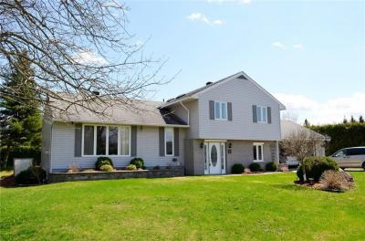 Photo of 61 Laval Place, Hawkesbury, Ontario K6A3B5