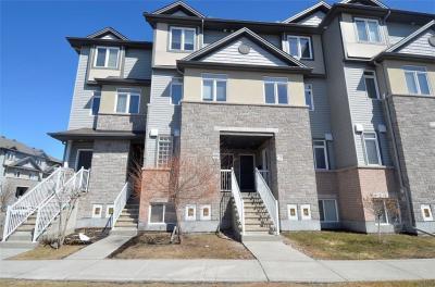 Photo of 953 Cummings Avenue, Ottawa, Ontario K1J7R9