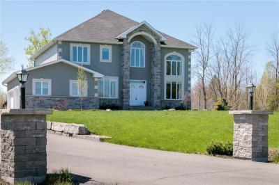 Photo of 470 West Lake Circle, Carp, Ontario K0A1L0