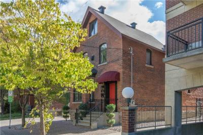 Photo of 356 Cooper Street, Ottawa, Ontario K2P0G9