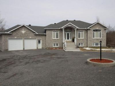 Photo of 1633 Wilhaven Drive, Cumberland, Ontario K4C1M8