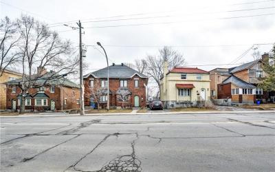 Photo of 923-949 Bronson Avenue, Ottawa, Ontario K1S4G8