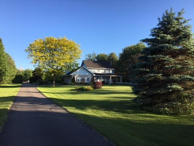 2102 Sandy Hill Road, L'orignal, Ontario K0B1K0