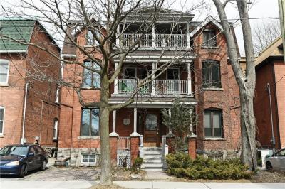 Photo of 37 Argyle Avenue, Ottawa, Ontario K2P1B3