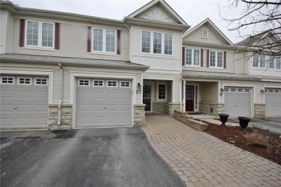 Photo of 27 Goldthorpe Private, Nepean, Ontario K2J5L7