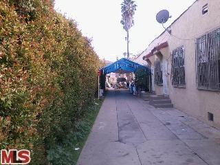 1424 Meadowbrook Avenue, Los Angeles, CA 90019