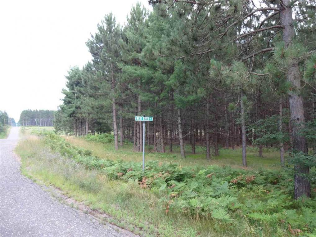 On River Road, Tomahawk, WI 54487