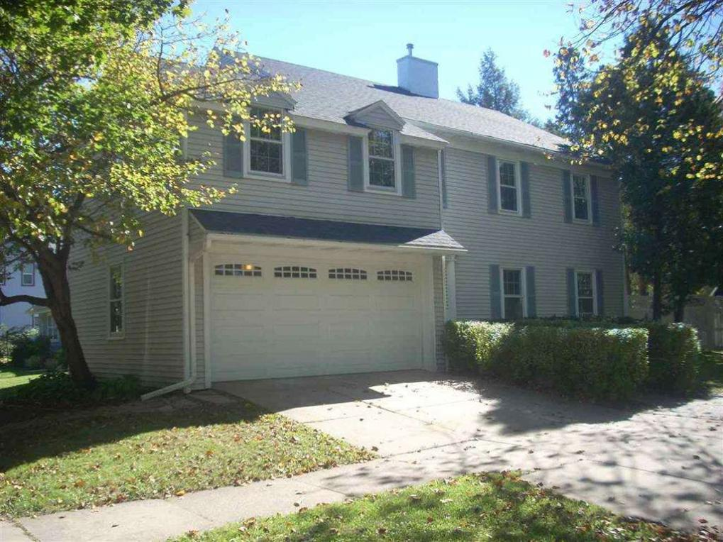 1215 N 10th Street, Wausau, WI 54403